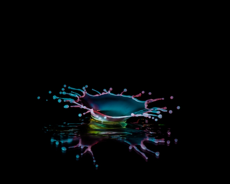 Macro High speed Bio Luminescent milk droplet 11