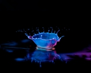 Macro High speed Bio Luminescent milk droplet 4